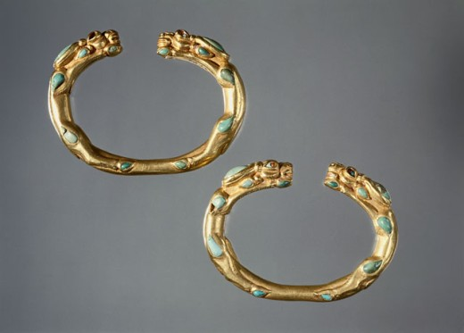 Stock Photo: 1009-6379 Bactrian Gold: Bracelets with Antelope Terminals