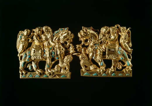 Bactrian Gold: Clasps with Amorous Scene