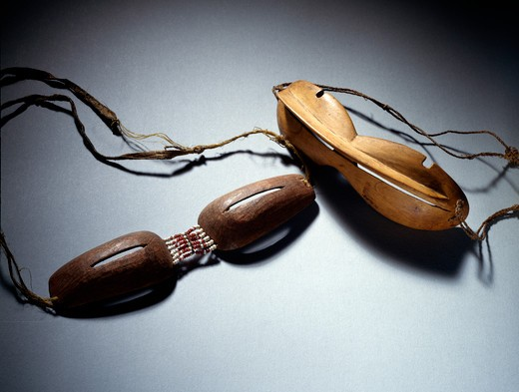 Snowgoggles (Iinguak), Eskimo Art, USA, Washington DC, Smithsonian Institution (National Museum of Natural History) : Stock Photo