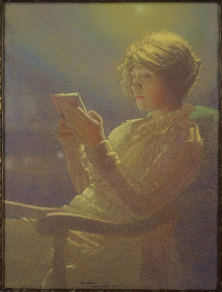Stock Photo: 1030-1636 Woman Reading 
