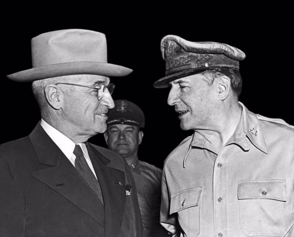 Wake Island, Pacific Ocean:  October 15, 1950. President Harry Truman and General Douglas MacArthur meet at Wake Island. : Stock Photo