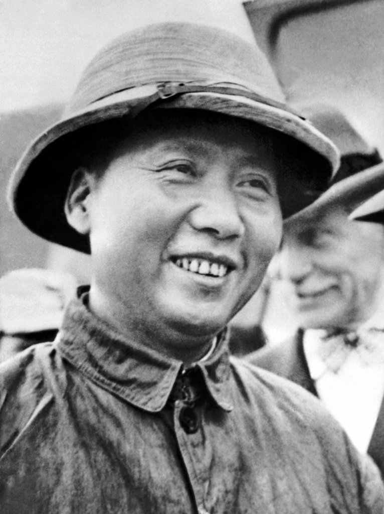 Stock Photo: 1035-12394 Chungking, China:   September 14, 1945 Communist faction leader Mao Tse-Tung arrived with U.S. Ambassador Maj. Gen. Patrick Hurley to meet with Chiang Kai-Shek. General Hurley went to Yenan to fetch Mao and guarantee his safety.