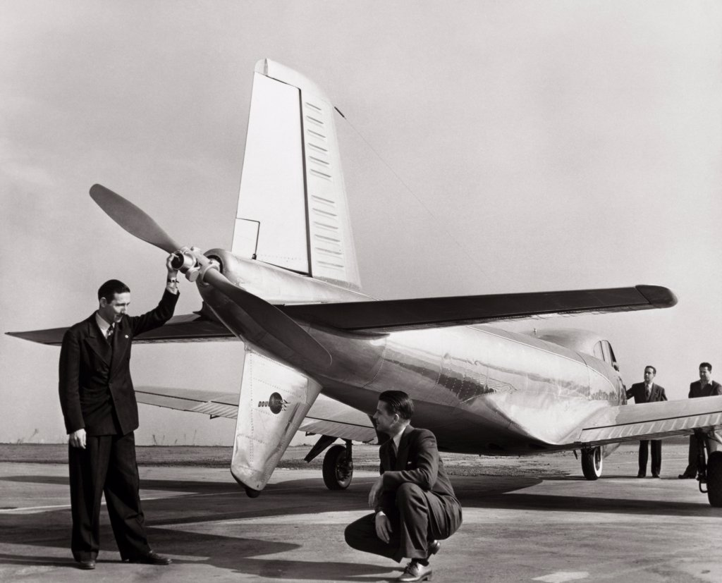 Stock Photo: 1035-175 Cloudster Douglas Aircraft