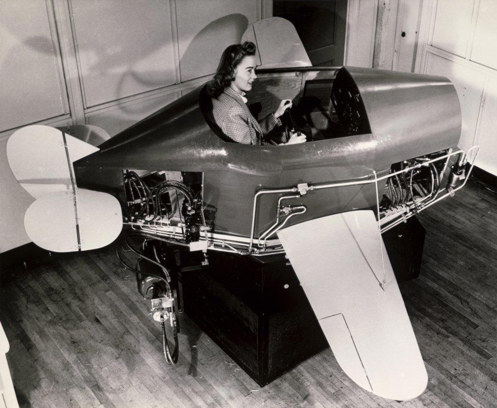 Stock Photo: 1035-176 Link Simulator for pilot training