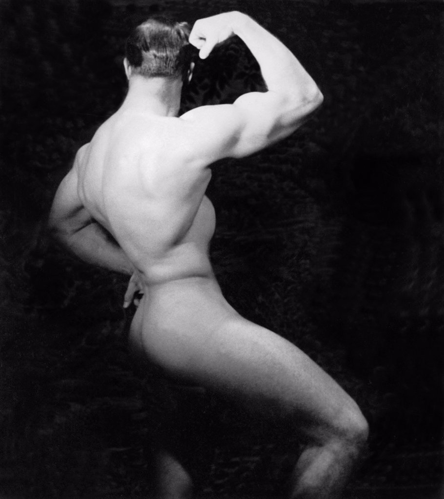 Nude male bodybuilding poses will not