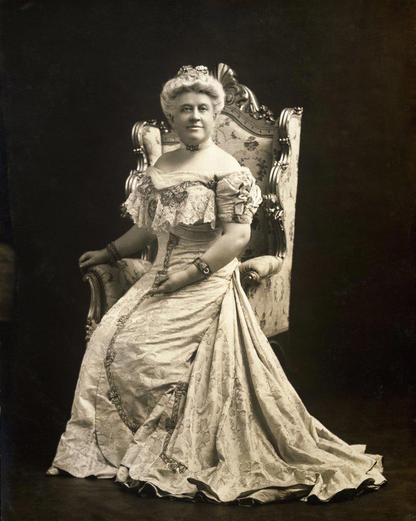Portrait of a senior woman wearing Victorian dress : Stock Photo