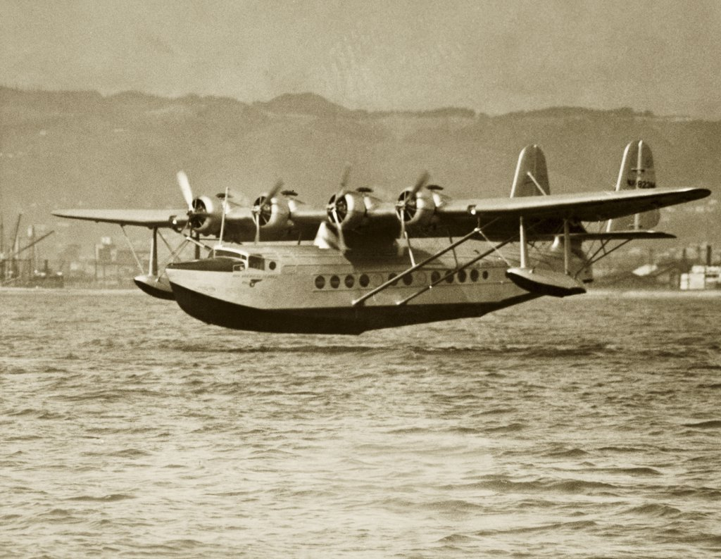 Stock Photo: 1035-640 pan american clipper