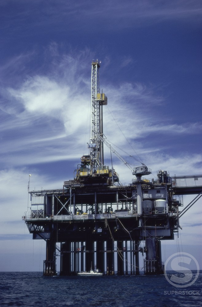 Stock Photo: 104-162 Offshore Oil Rig
