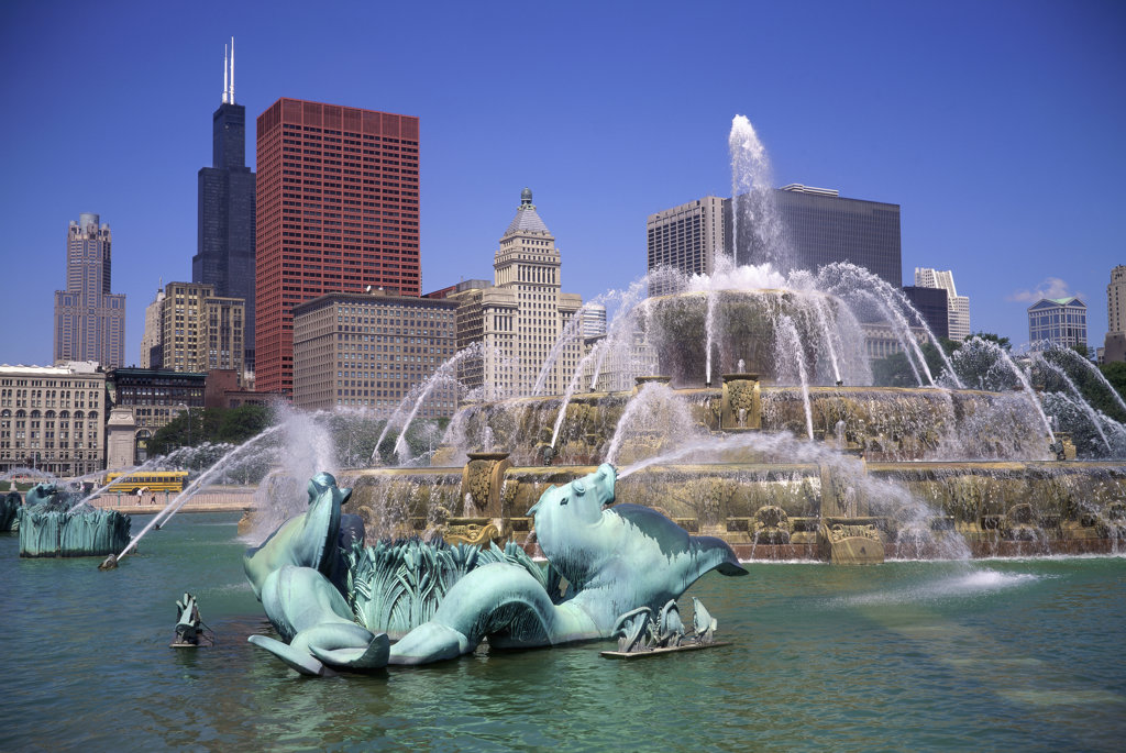 Stock Photo: 1047-251 Buckingham Fountain, Grant Park, Chicago, Illinois, USA