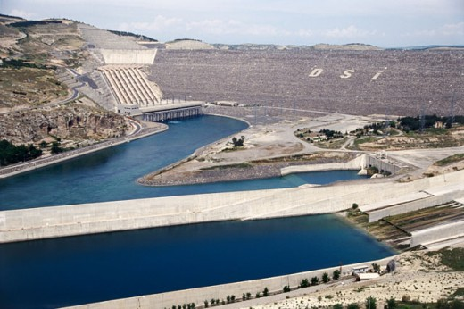 Stock Photo: 105-2754A Ataturk Dam