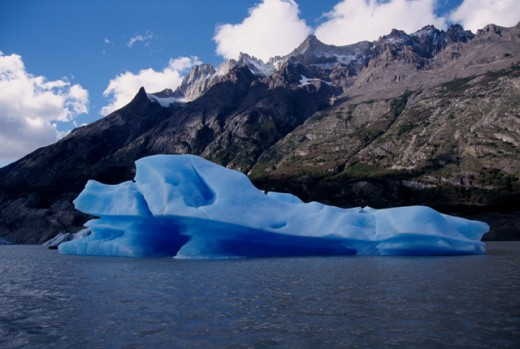 Stock Photo: 105-3160 Iceberg in a lake, Lago Grey, Torres del Paine National Park, Chile