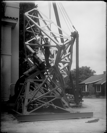 Stock Photo: 1060-1112 ASSEMBLING THE 50-FOOT INTERFEROMETER MOUNT AT SANTA BARBARA STREET FOR USE AT THE 1923 PT. LOMA ECLIPSE.