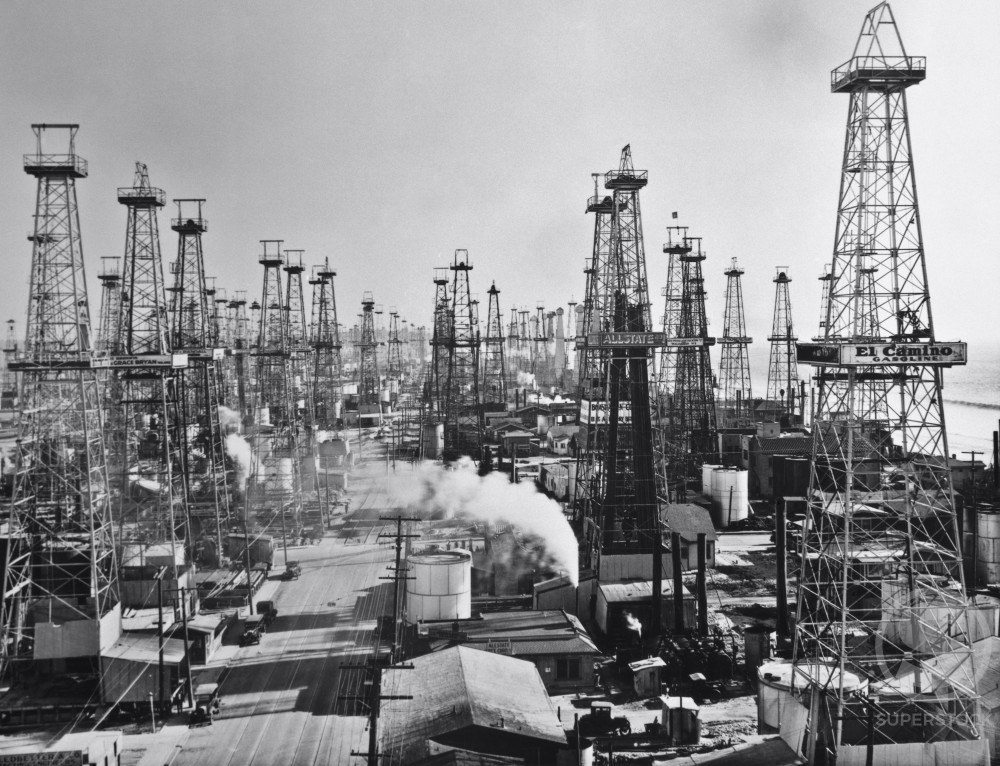 Stock Photo: 1060-151 High angle view of oil wells, Los Angeles, California, USA