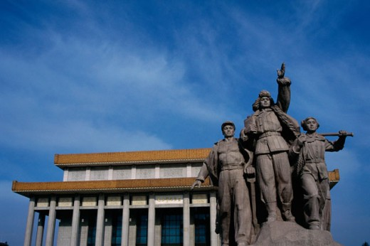 Stock Photo: 1096-111 Low angle view of statues, Mao Tse-tung Mausoleum, Beijing, China