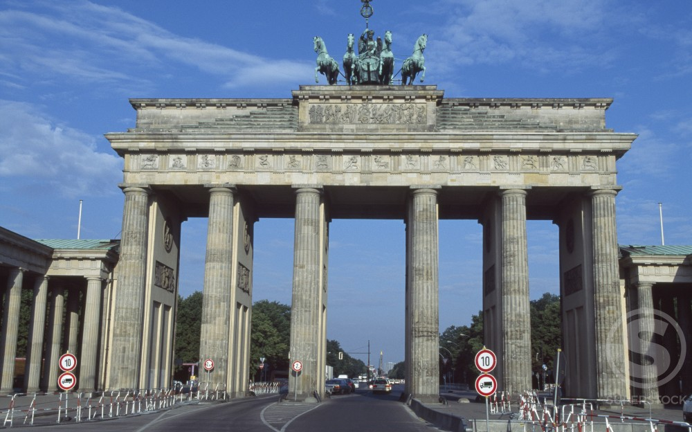 Stock Photo: 1096-1852A Low angle view of a memorial gate, Brandenburg Gate, Berlin, Germany
