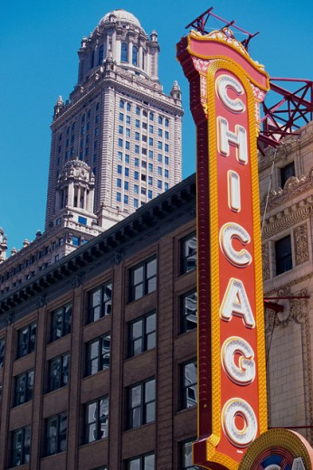 Stock Photo: 1096-2069 Low angle view of the Chicago Theater, Chicago, Illinois, USA