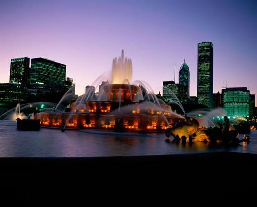 Stock Photo: 1096-2075B Buckingham Fountain lit up at night, Grant Park, Chicago, Illinois, USA