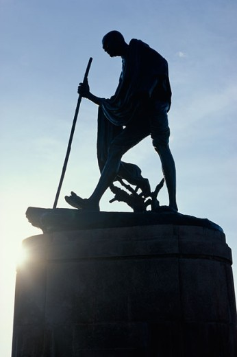 Stock Photo: 1096-2211 Statue of Mahatma Gandhi, Chennai, Tamil Nadu, India