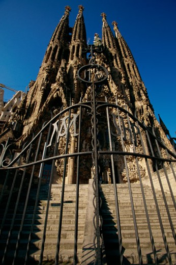 Stock Photo: 1096-929A Low angle view of a basilica, Sagrada Familia, Barcelona, Spain