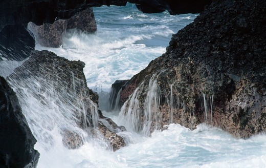 Stock Photo: 112-7001 River flowing through rocks, Hawaii, USA