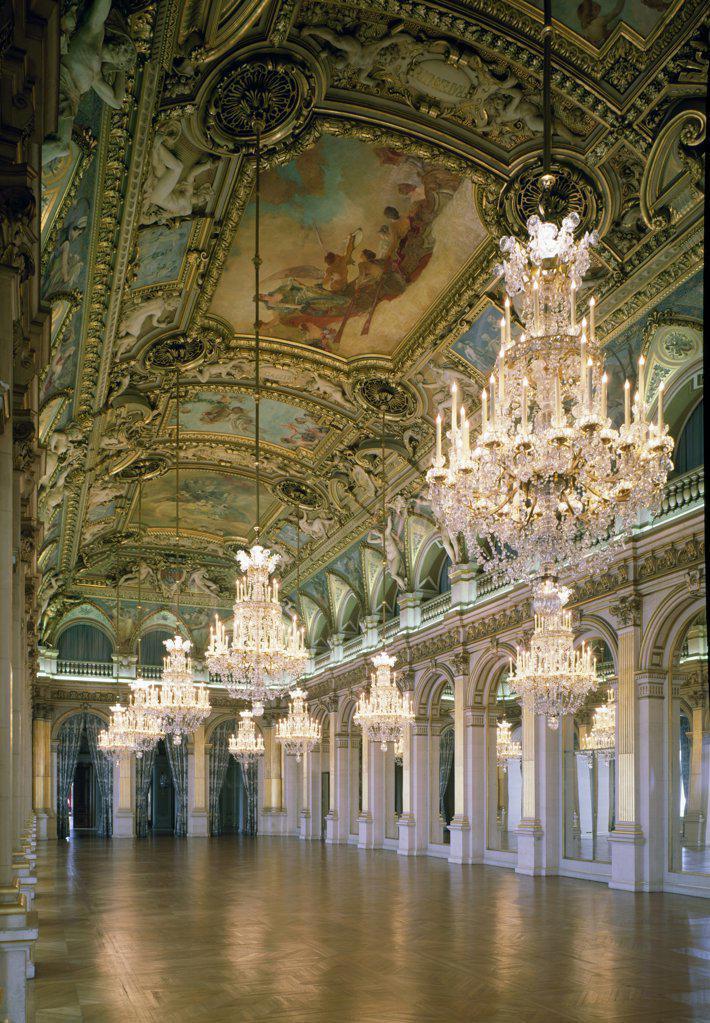 France, Paris, Hotel de Ville, Hall of Feasts interior : Stock Photo