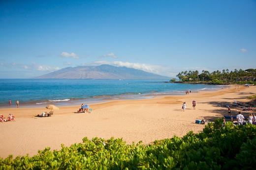 Tourists on the beach, Wailea Beach, Grand Wailea Resort, Maui, Hawaii, USA : Stock Photo