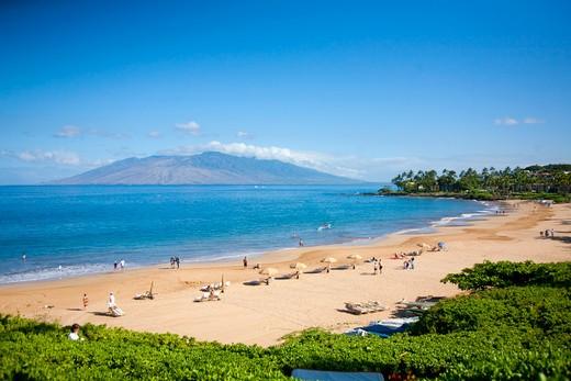 Stock Photo: 1176-706 Tourists on the beach, Wailea Beach, Grand Wailea Resort, Maui, Hawaii, USA