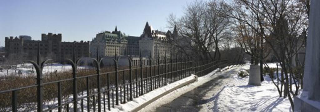 Stock Photo: 1241-923 Parliament Ottawa Ontario Canada