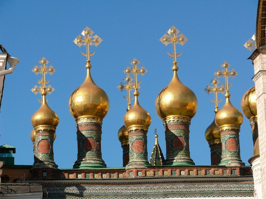 Stock Photo: 1246-1663 RUSSIA, Moscow, Kremlin: Golden cupolas of theTerempalace-Churches