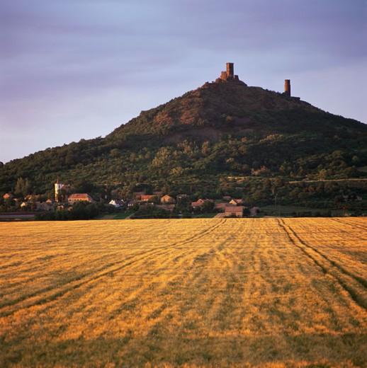 Stock Photo: 1246-655 Panoramic view of a farm field, Klapy, Czech Republic