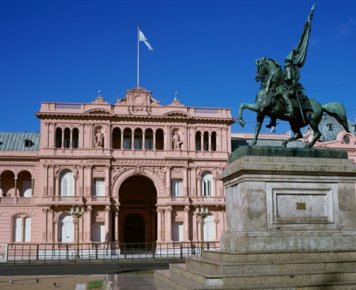 Statue in front of a government building, Casa Rosada, Buenos Aires, Argentina : Stock Photo