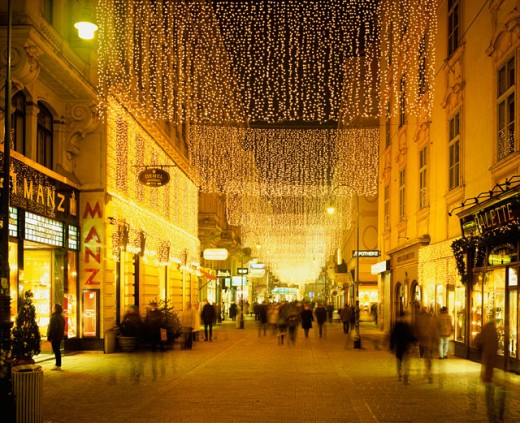 Stock Photo: 1269-1474 Lights on the streets, Kohlmarkt, Vienna, Austria