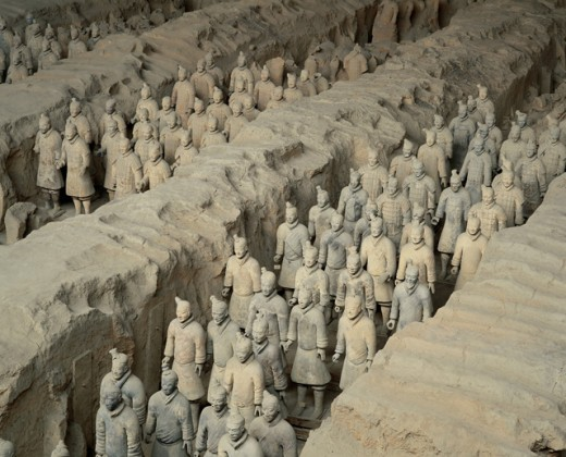 Stock Photo: 1269-1555 High angle view of statues of soldiers, Terracotta Soldiers, Museum of Qin Terra Cotta Warriors and Horses, Xi'an, China