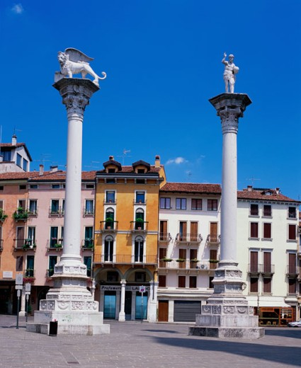 Stock Photo: 1269-1631 Two stone columns, Torre di Piazza, Vicenza, Italy