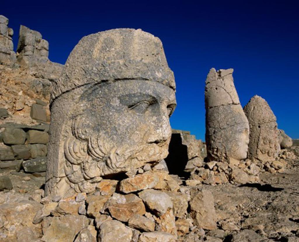 Stock Photo: 1269-1995 Heads of ancient statues, Nemrud Dagh, Mount Nemrut, Turkey