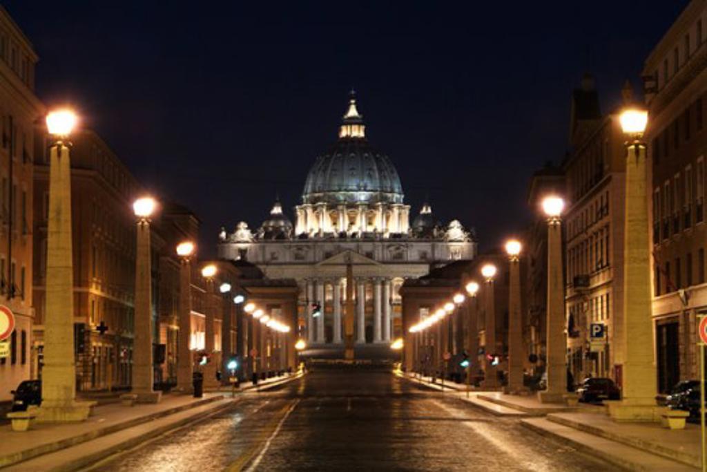Basilica lit up at night, St. Peter's Basilica, Vatican City : Stock Photo