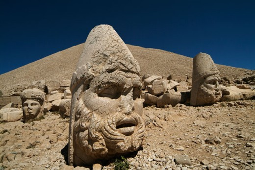Heads of ancient statues, Nemrud Dagh, Mount Nemrut, Turkey : Stock Photo