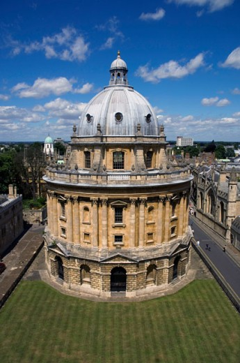 High angle view of a building at a university, Radcliffe Camera, Oxford, England : Stock Photo
