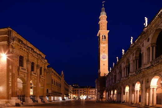 Buildings lit up at night, Piazza Dei Signori, Vicenza, Veneto, Italy : Stock Photo