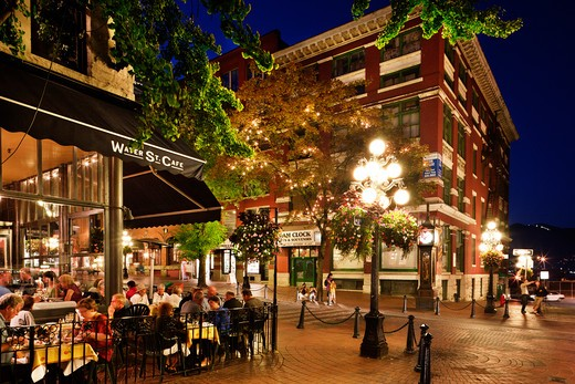 Stock Photo: 1269-3251 People at a sidewalk cafe, Gastown, Vancouver, British Columbia, Canada