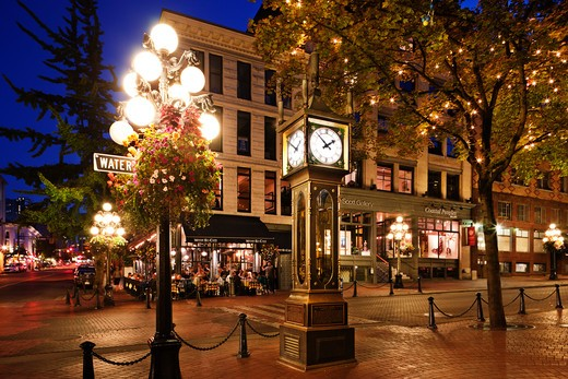 Steam clock lit up at night, Gastown Steam Clock, Gastown, Vancouver, British Columbia, Canada : Stock Photo