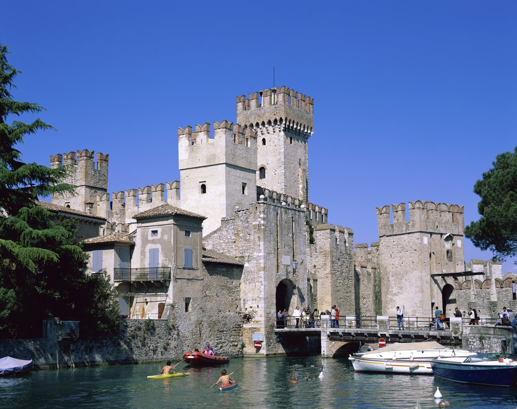 Stock Photo: 1288-1340 Scaligero Castle