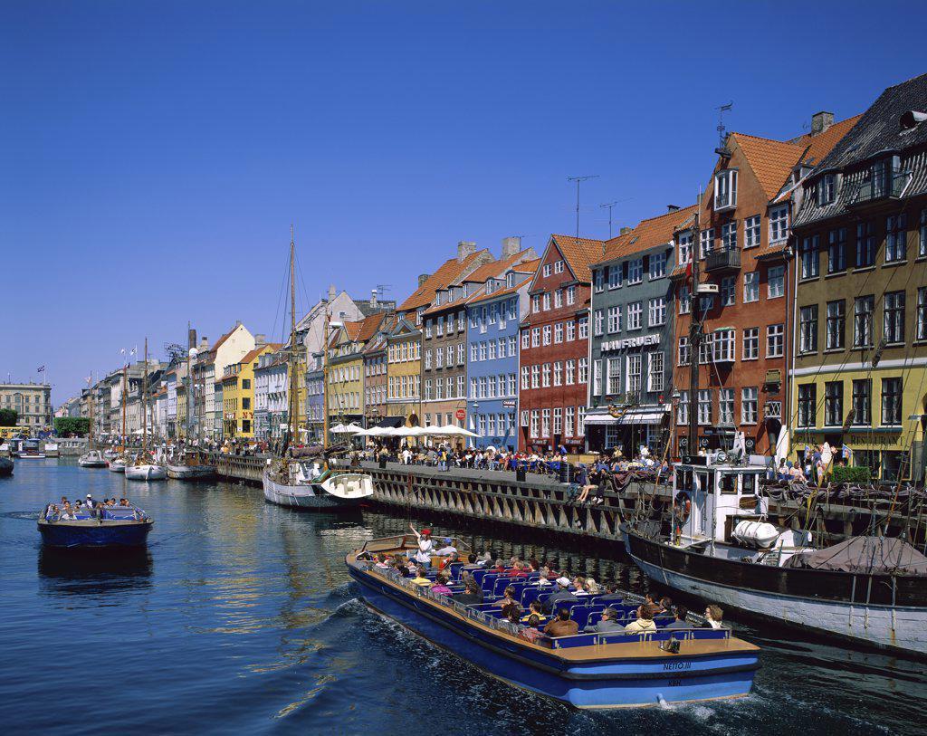Stock Photo: 1288-1351 Tourists in a tourboat, Nyhavn, Copenhagen, Denmark