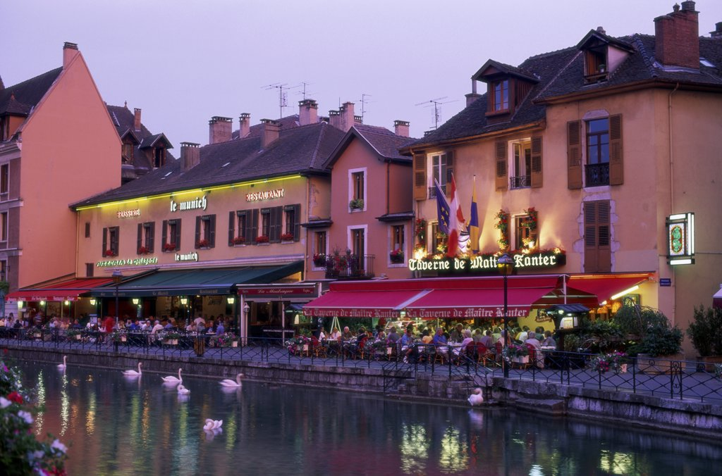 Stock Photo: 1288-1637 Group of people sitting at a sidewalk cafe, Annecy, France