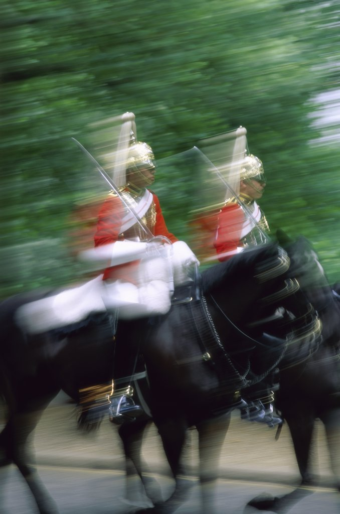 Two horse guardsmen riding horses, London, England : Stock Photo