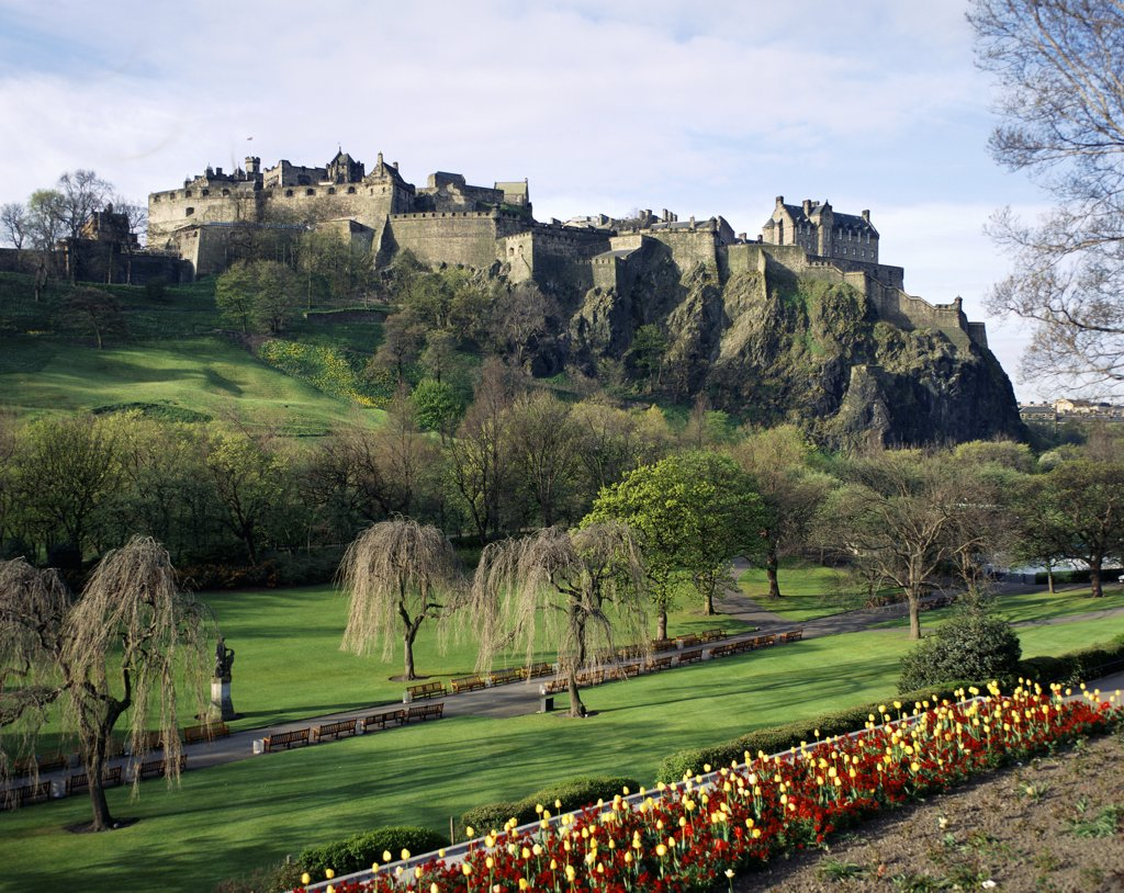 Low angle view of a castle, Edinburgh Castle, Edinburgh, Lothian, Scotland : Stock Photo
