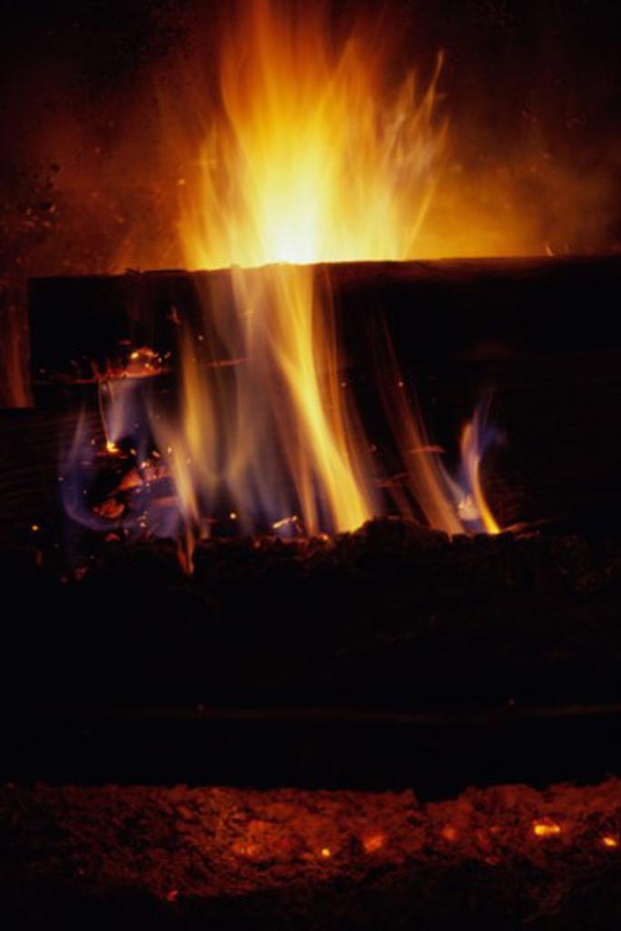 Stock Photo: 1308R-268 Log fire