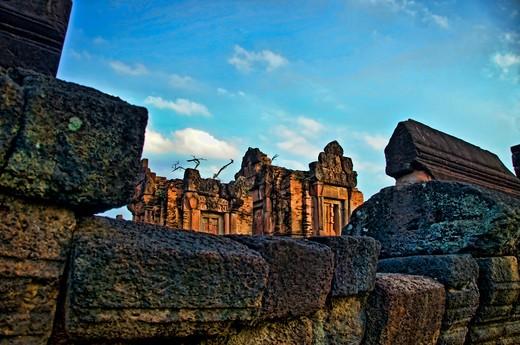 Stock Photo: 1311-2297 Thailand, Issen, ancient Kymer Style Wat