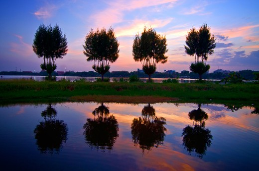 Stock Photo: 1311-2331D Thailand, Khon Kaen, Nakohn Bung Lake at dusk