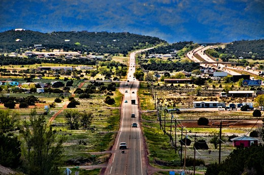 Stock Photo: 1311-2605 High angle view of an open road passing through a city, New Mexico, USA